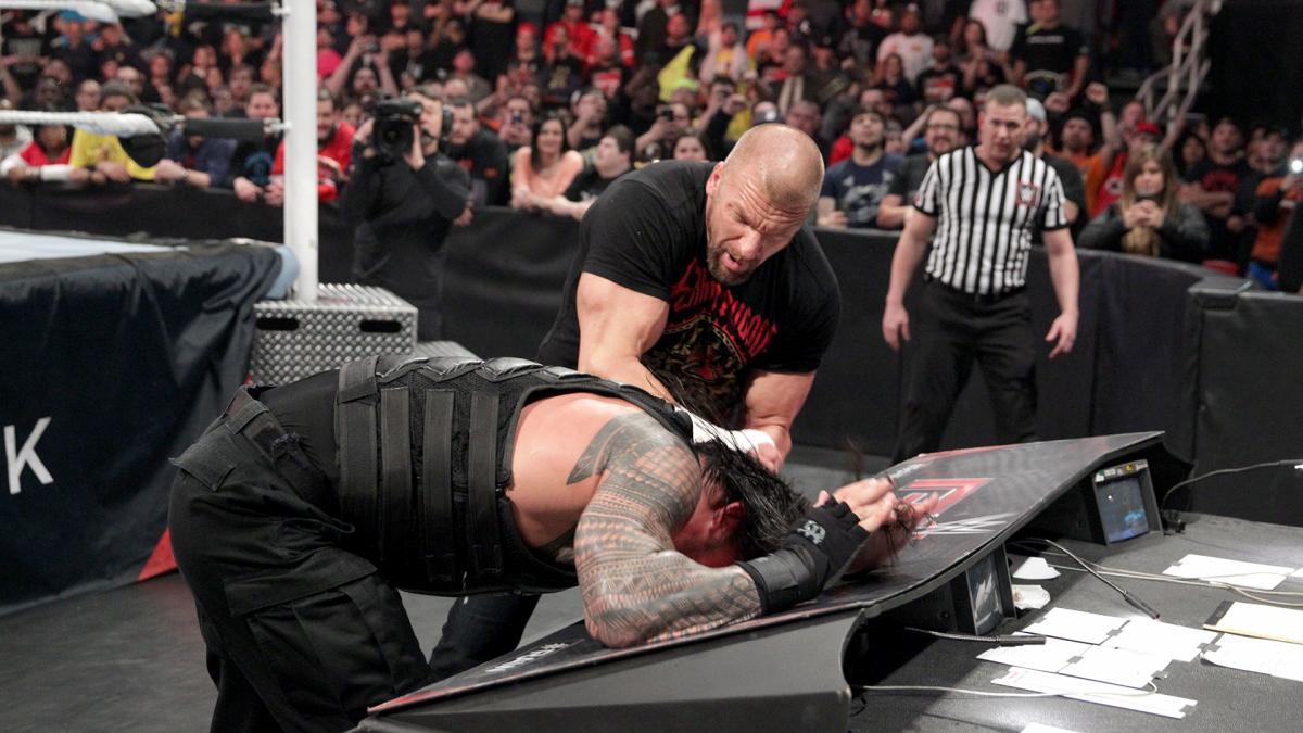 http://dailyddt.com/files/2016/02/Triple-H-Roman-Reigns-3.jpg