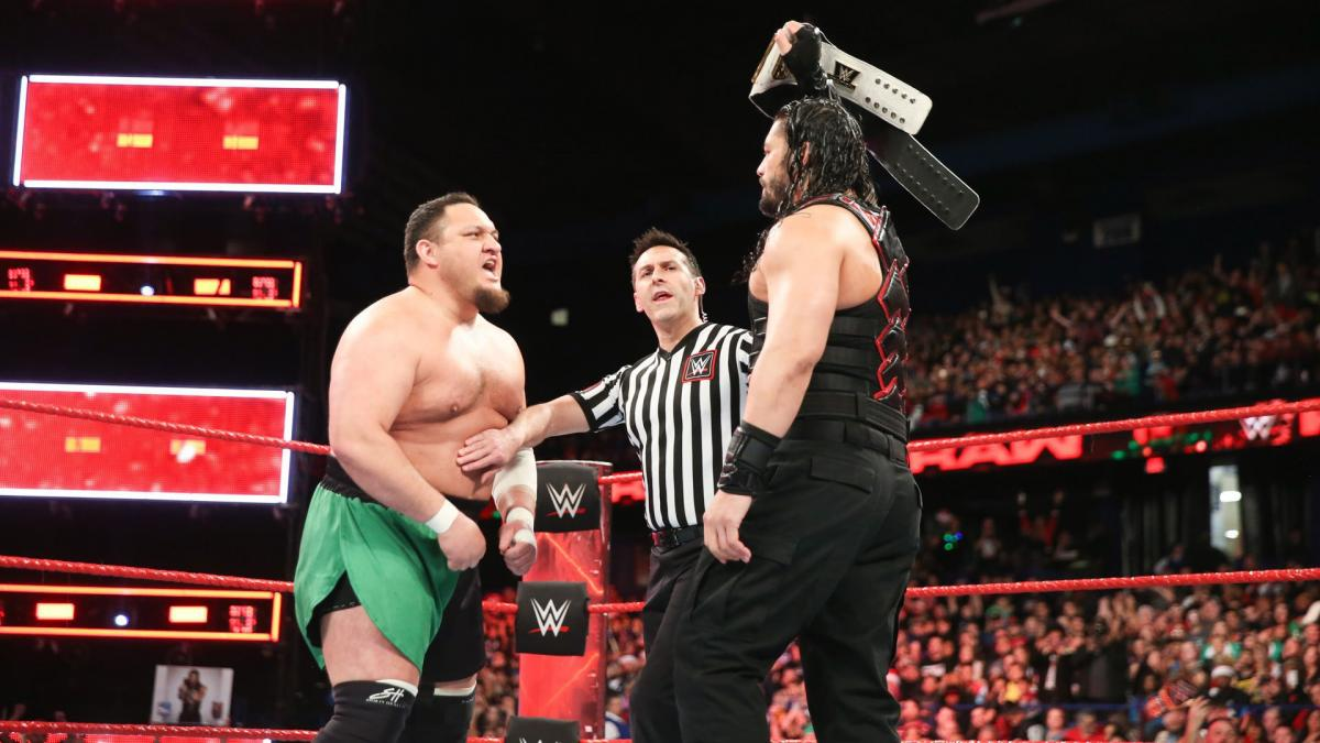 WWE Referee Unexpectedly Stop Reigns Vs Samoa Joe Match At Live Event